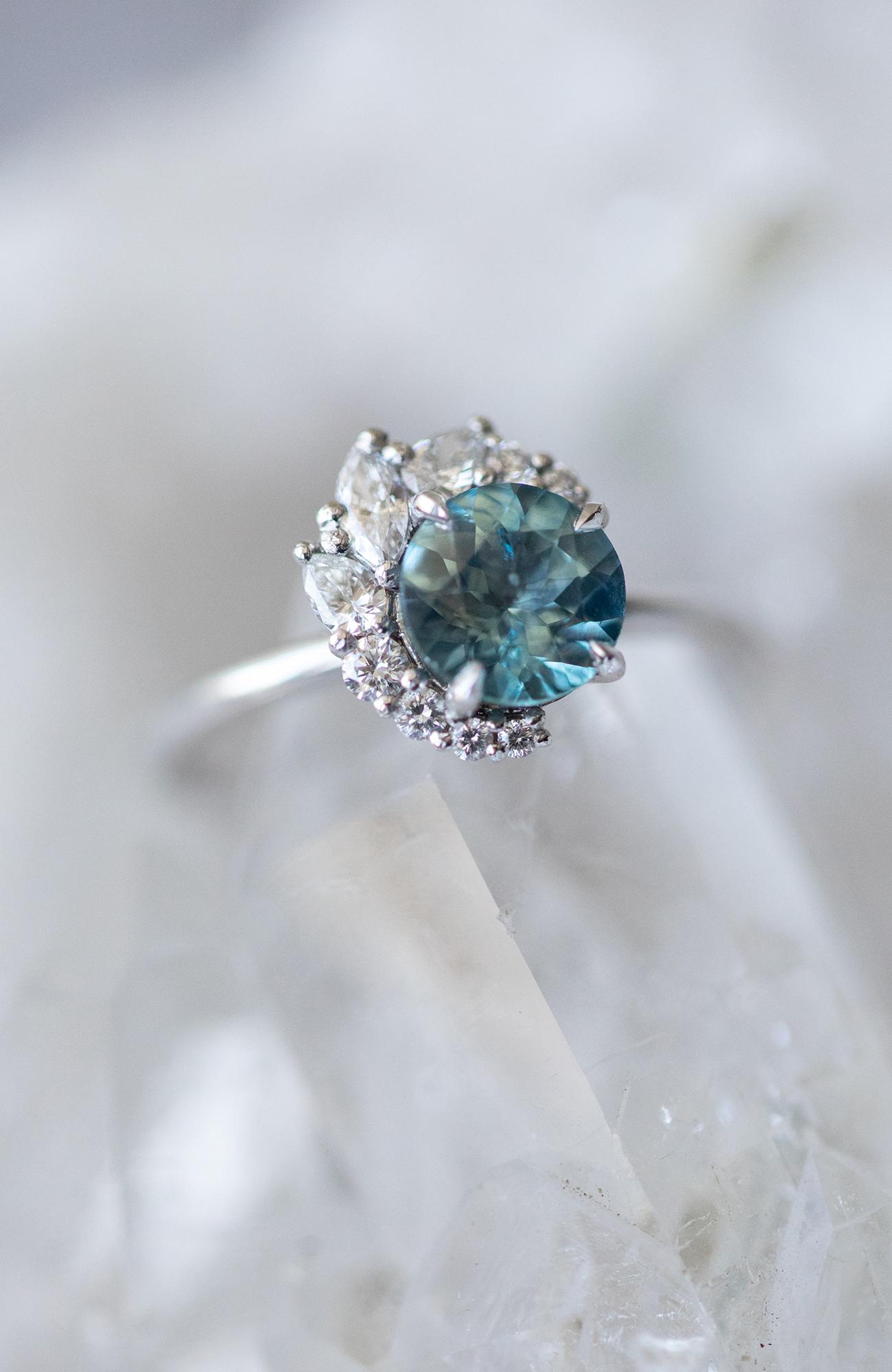 Sapphire blue Gemstone Wedding Grew Rings