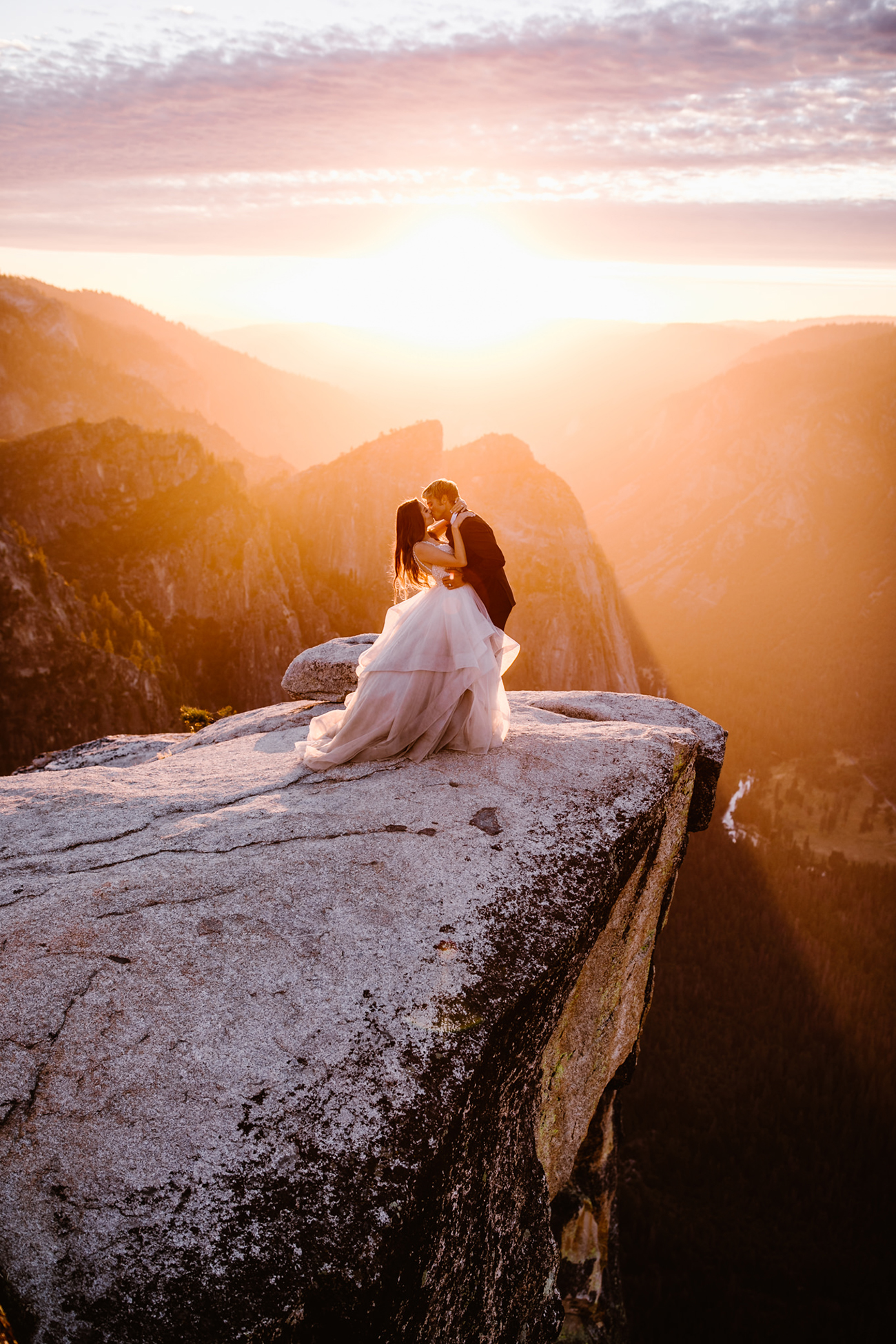 Taft Point Adventure Elopement-Wedding-Photography Yosemite National Park