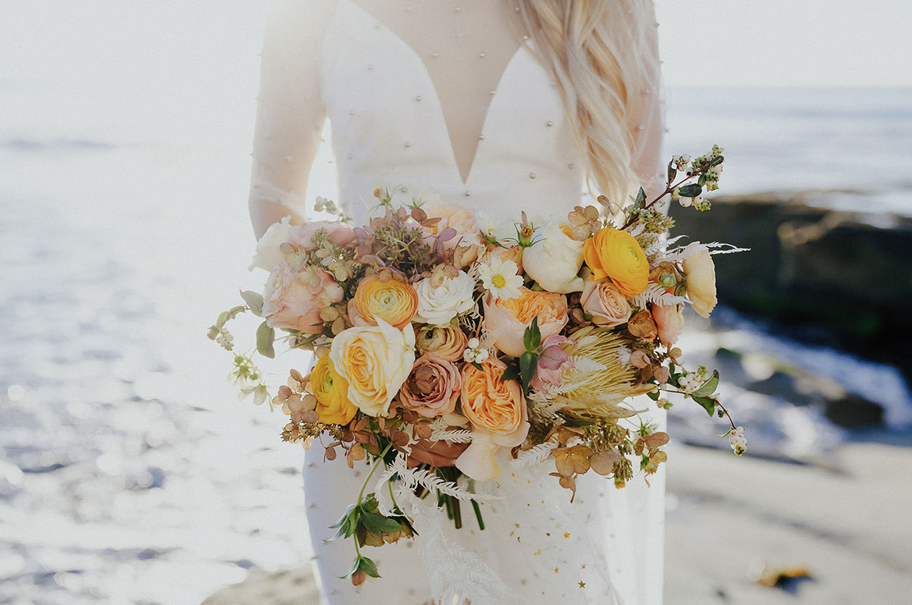 yellow garden rose bouquet