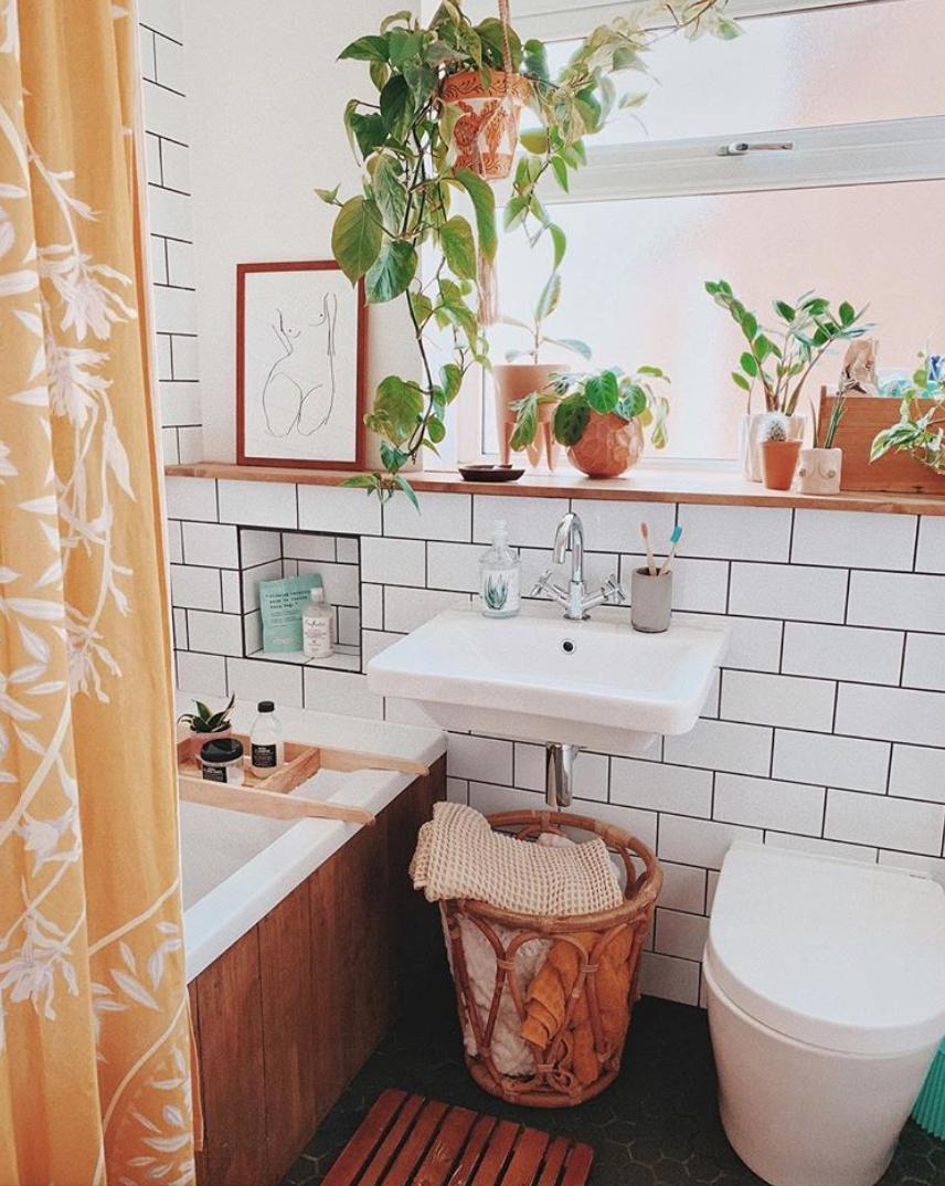 sunny boho bathroom
