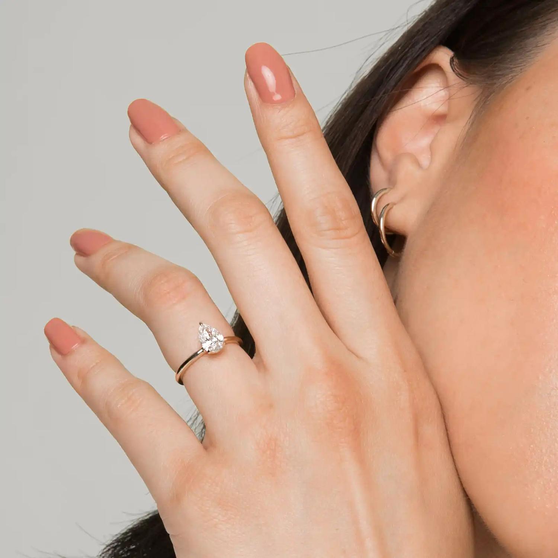 vrai signature lab grown engagement ring