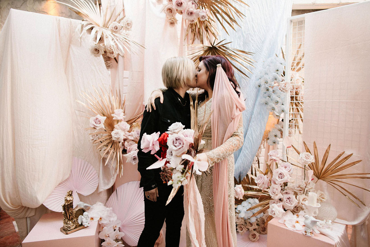 Baz Luhrmann's 'Romeo + Juliet' Inspired All the Rock 'N' Roll Details at This Wedding