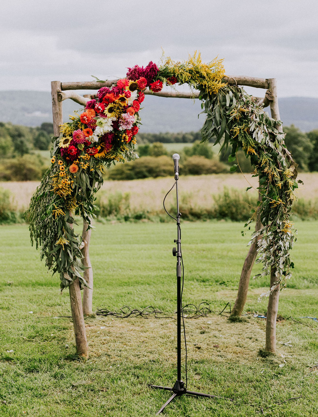 floral greenery arch
