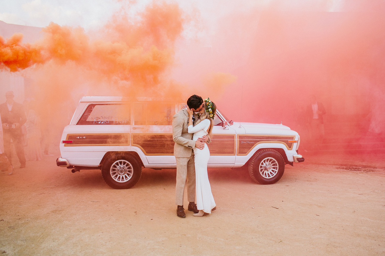 just married smoke bomb