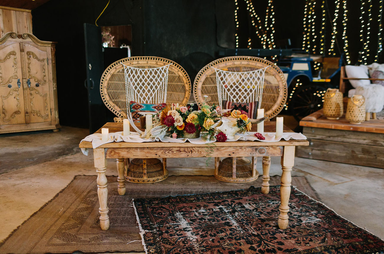 peacock chair sweetheart table