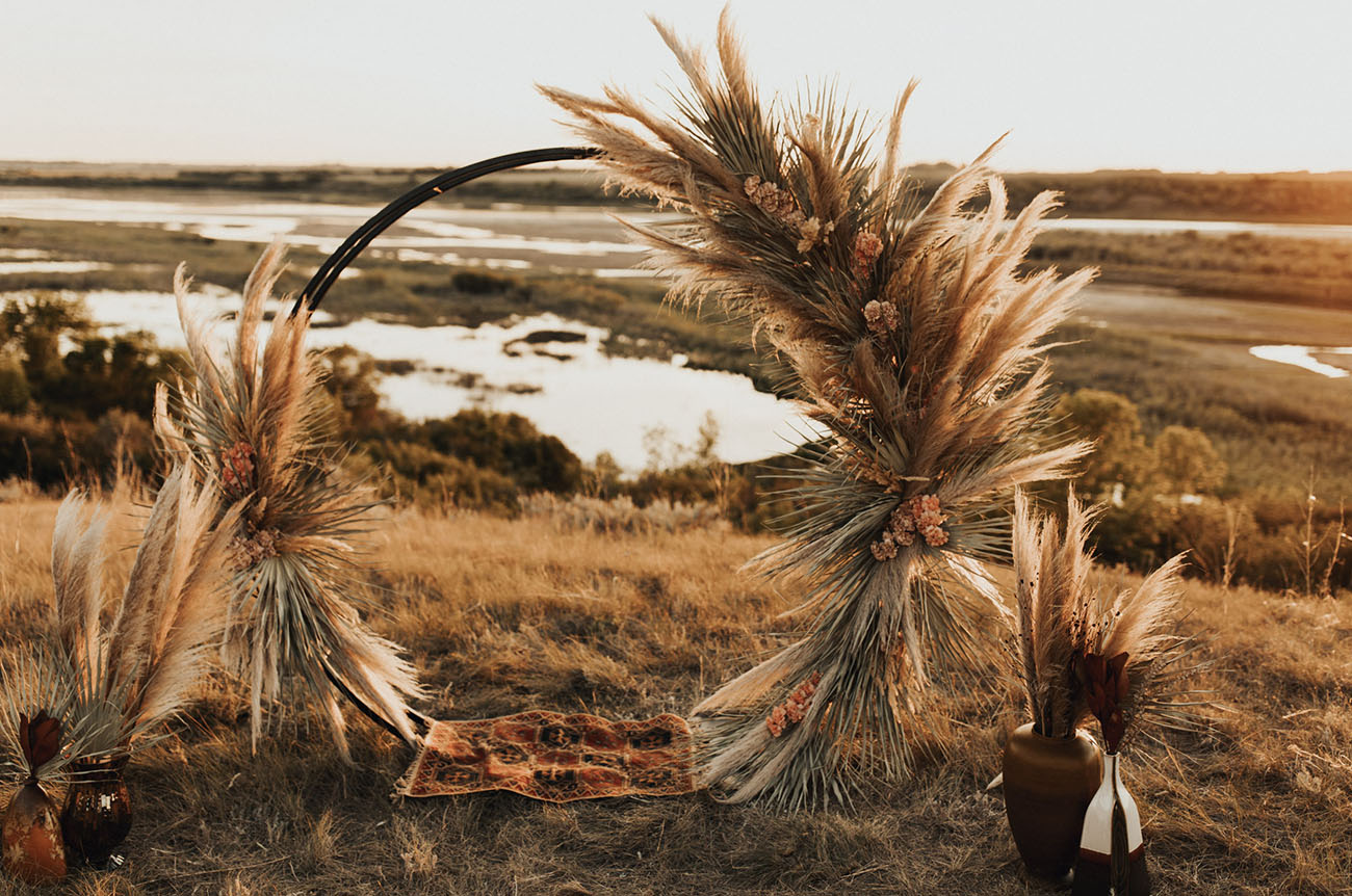 pampas grass circle backdrop