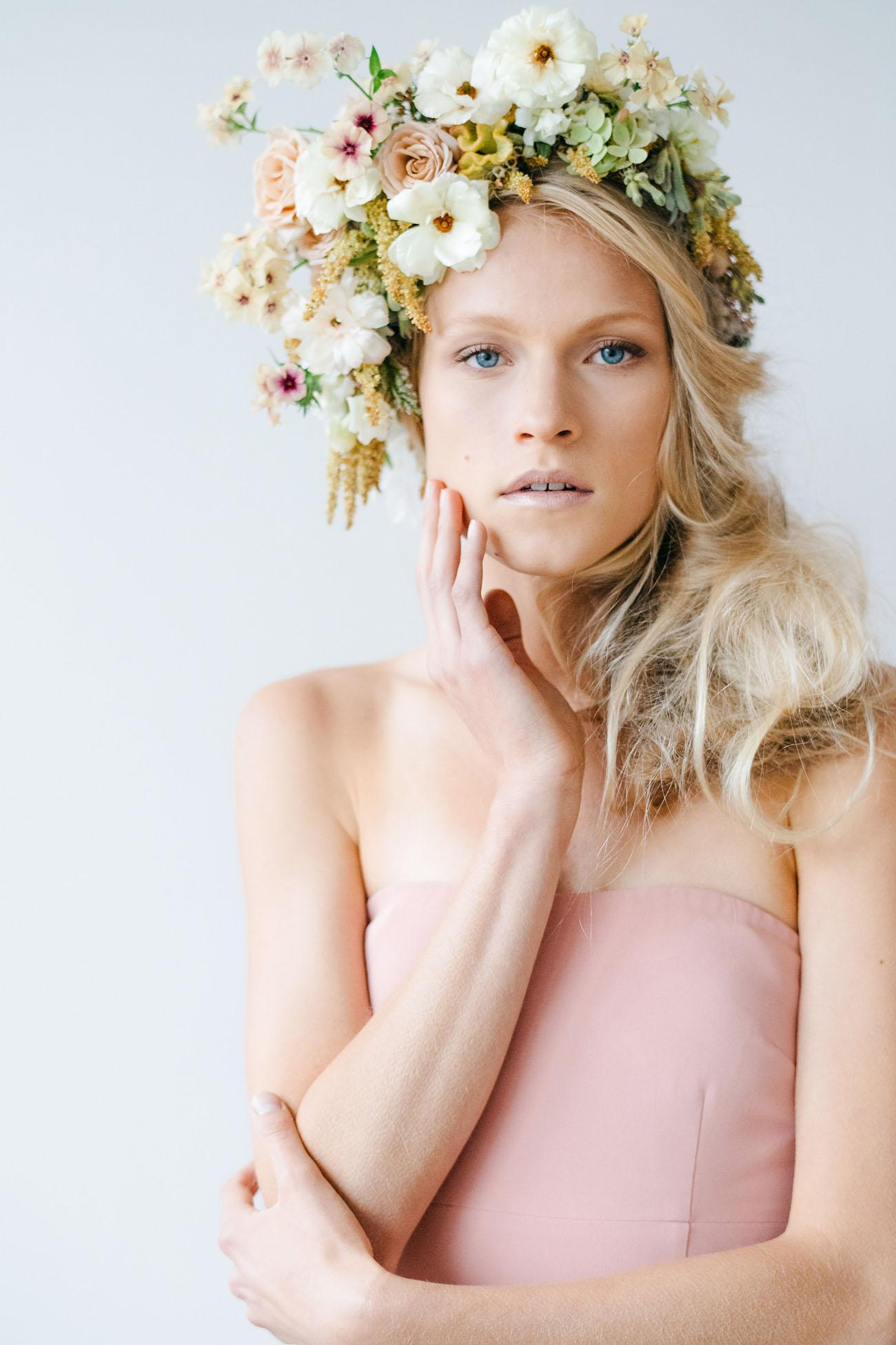 flower crown, bridal crown, flowers in hair, Wedding Hairstyles with Flowers