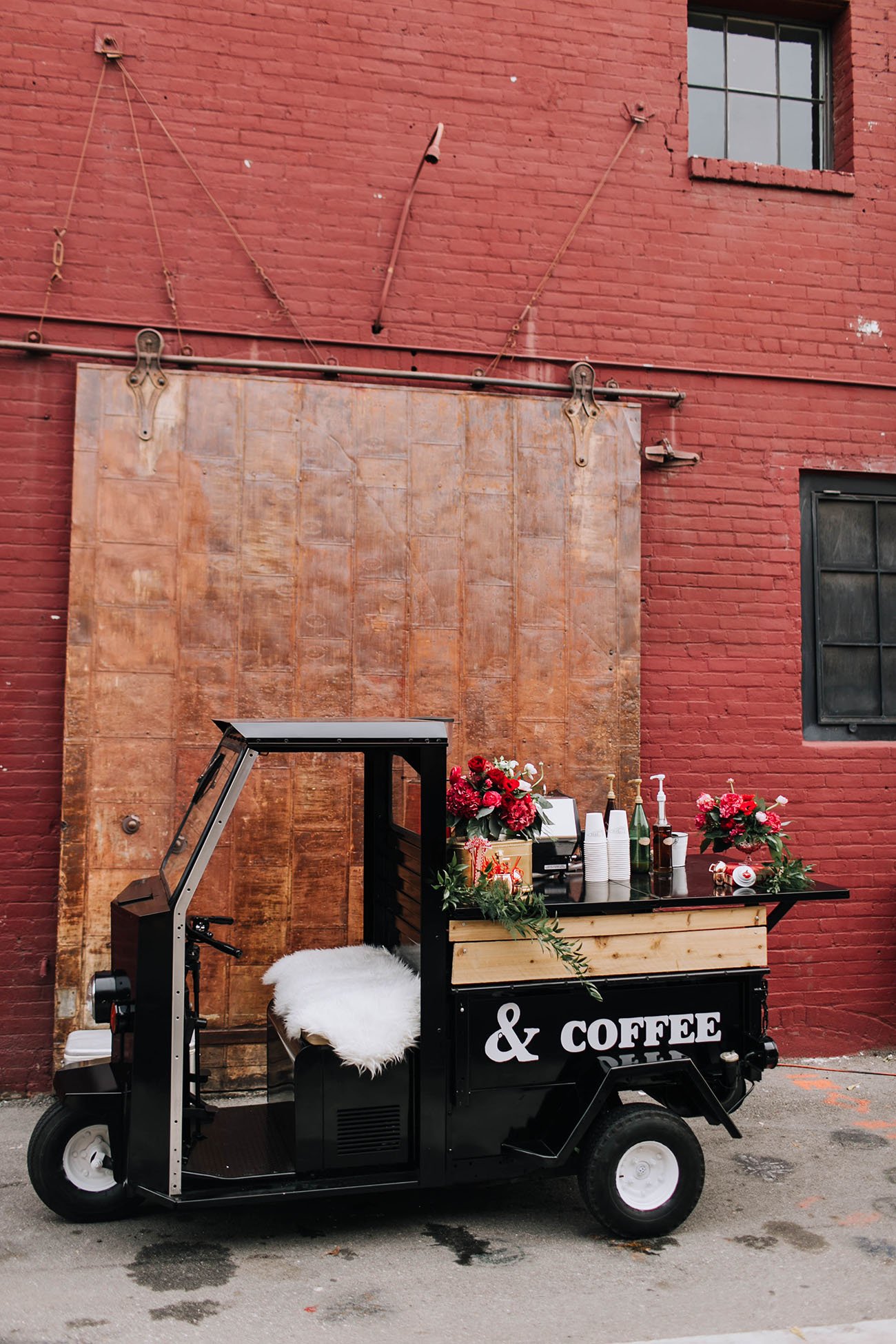 cute coffee cart idea for weddings