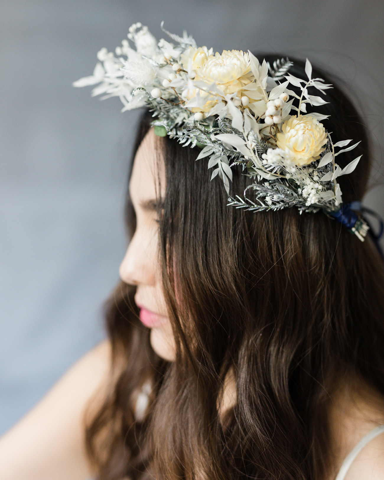 20 Wedding Hairstyles With Flowers: The Prettiest Wedding Hairstyles With Flowers