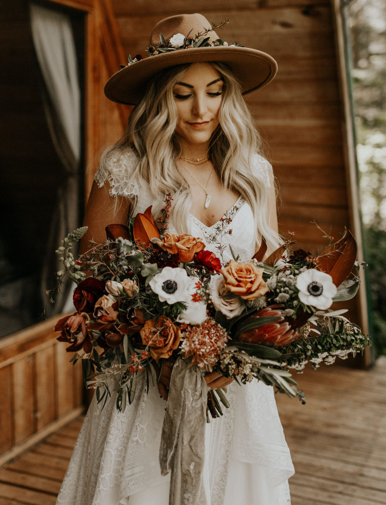anemone fall bouquet
