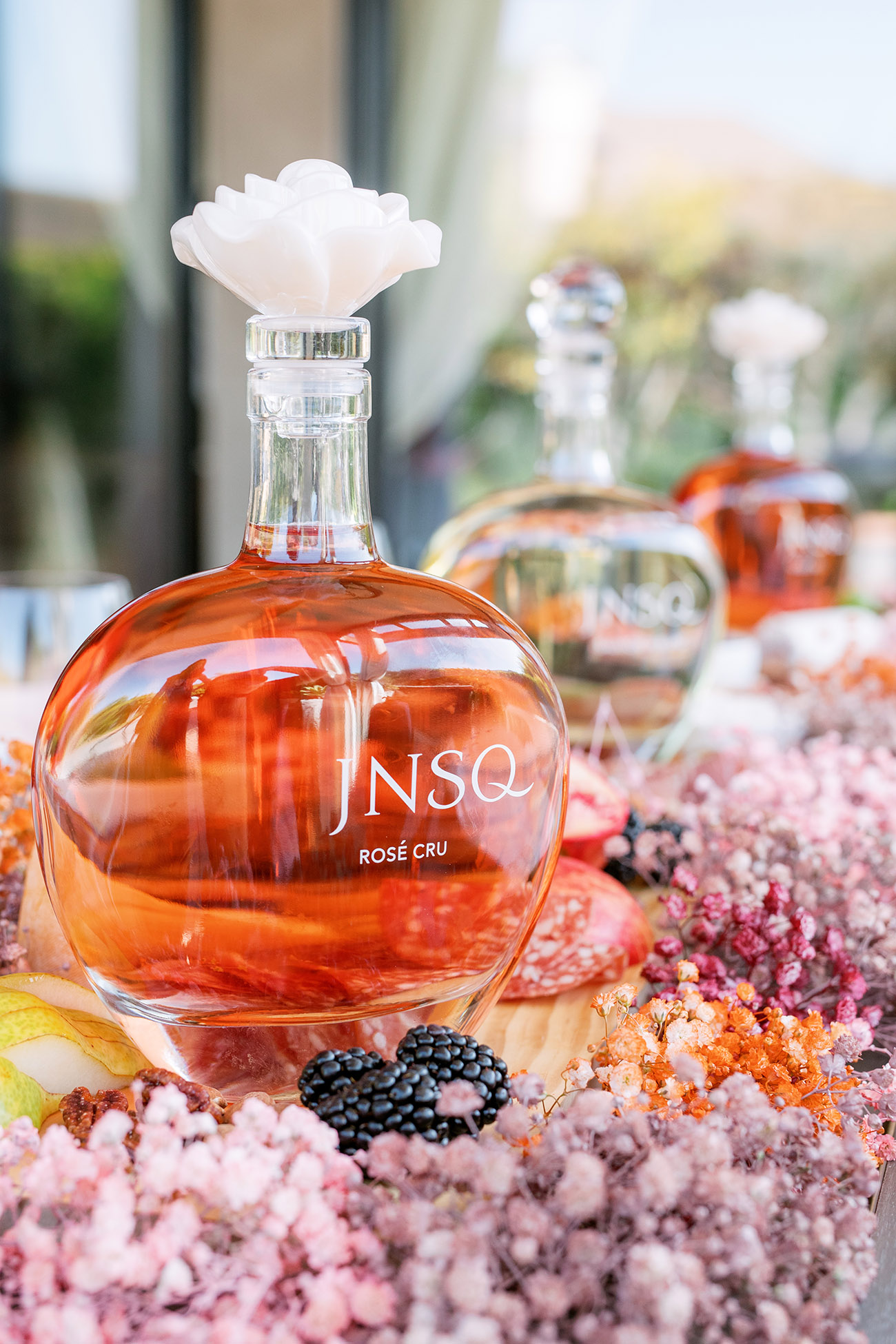 JNSQ Rose Cru bottle