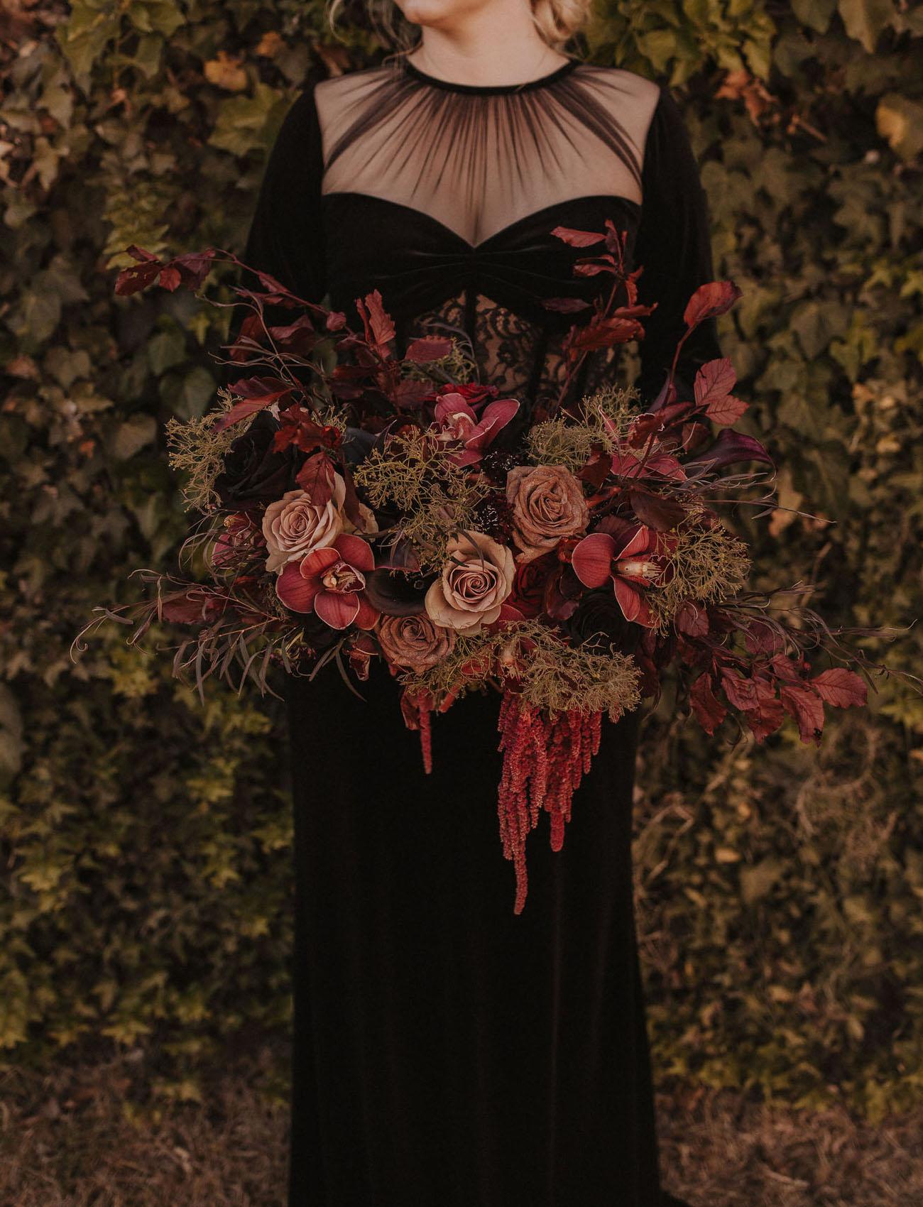 deep red halloween bridal bouquet