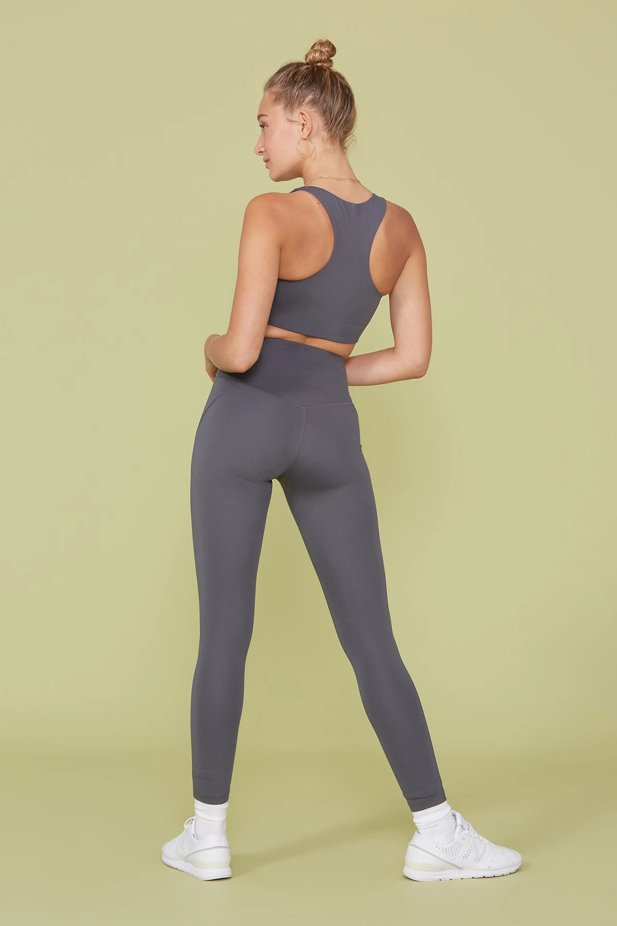 compressive high rise leggings in smoke, sustainable leggings from Girlfriend