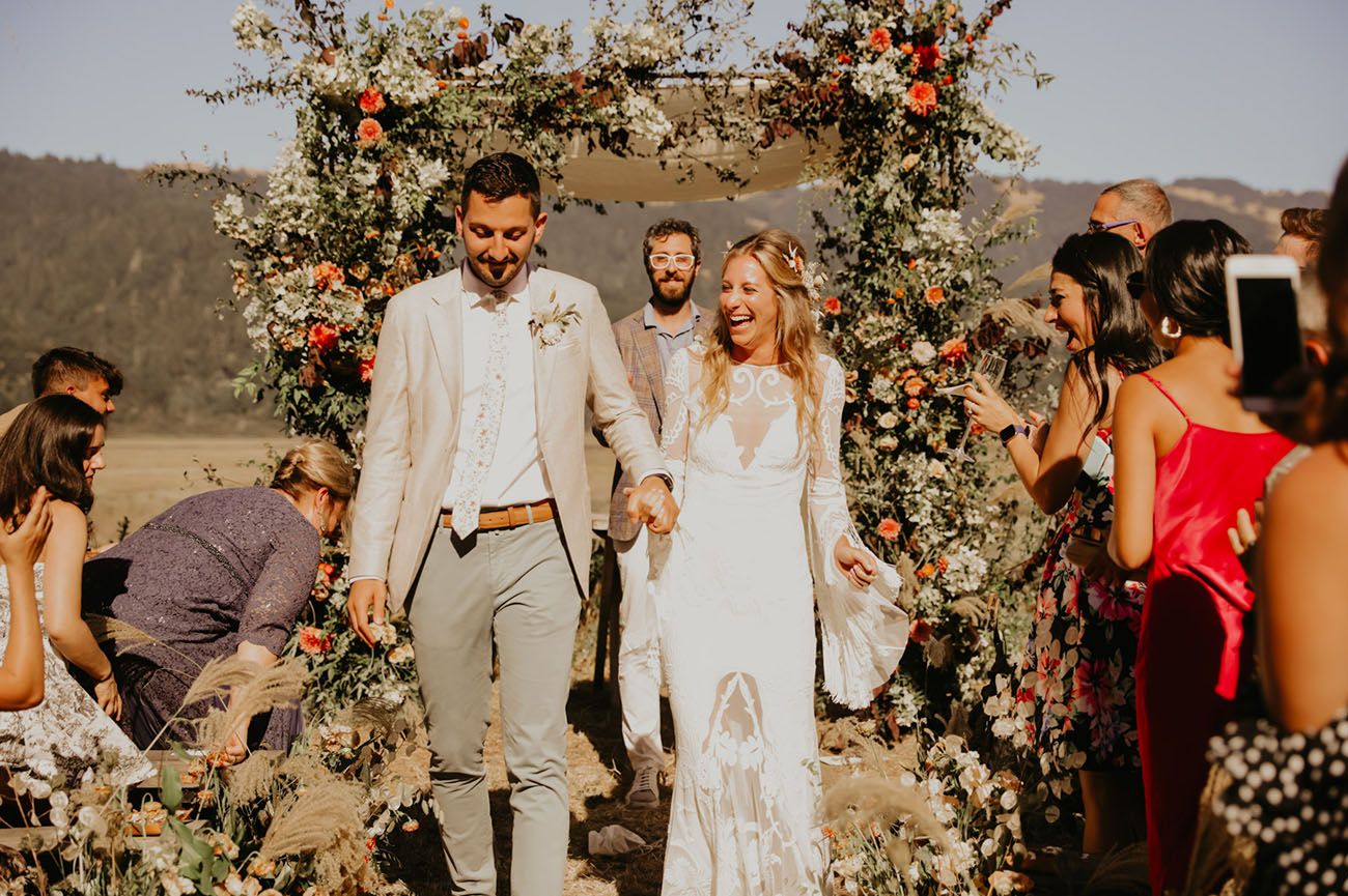 1970s Inspired Outdoor Wedding