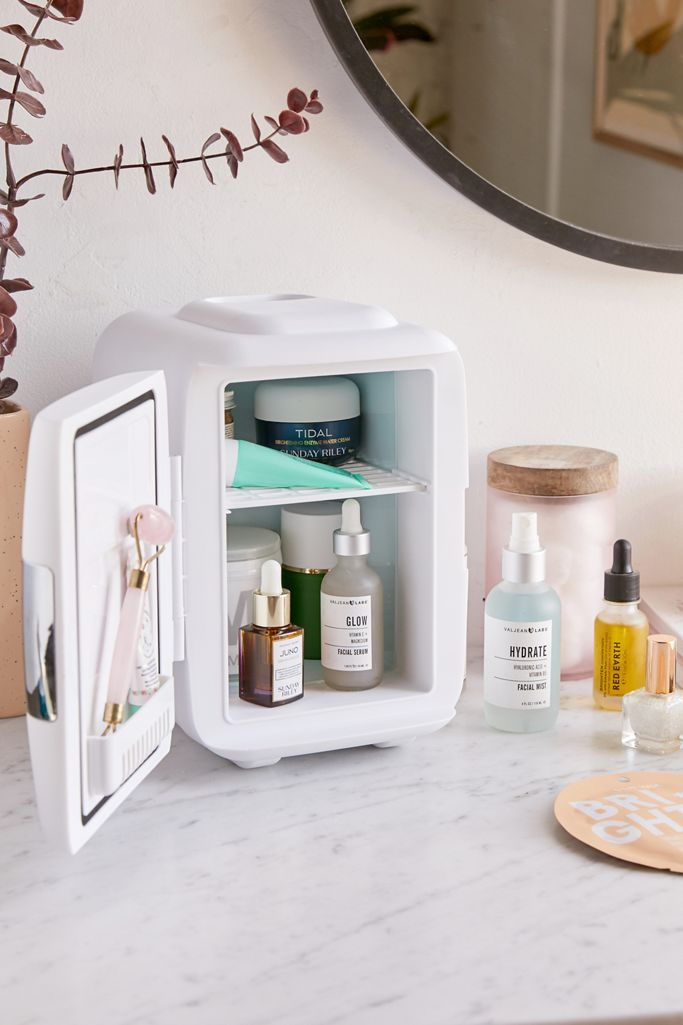 Urban Outfitters: Cooluli Mini Beauty Refrigerator