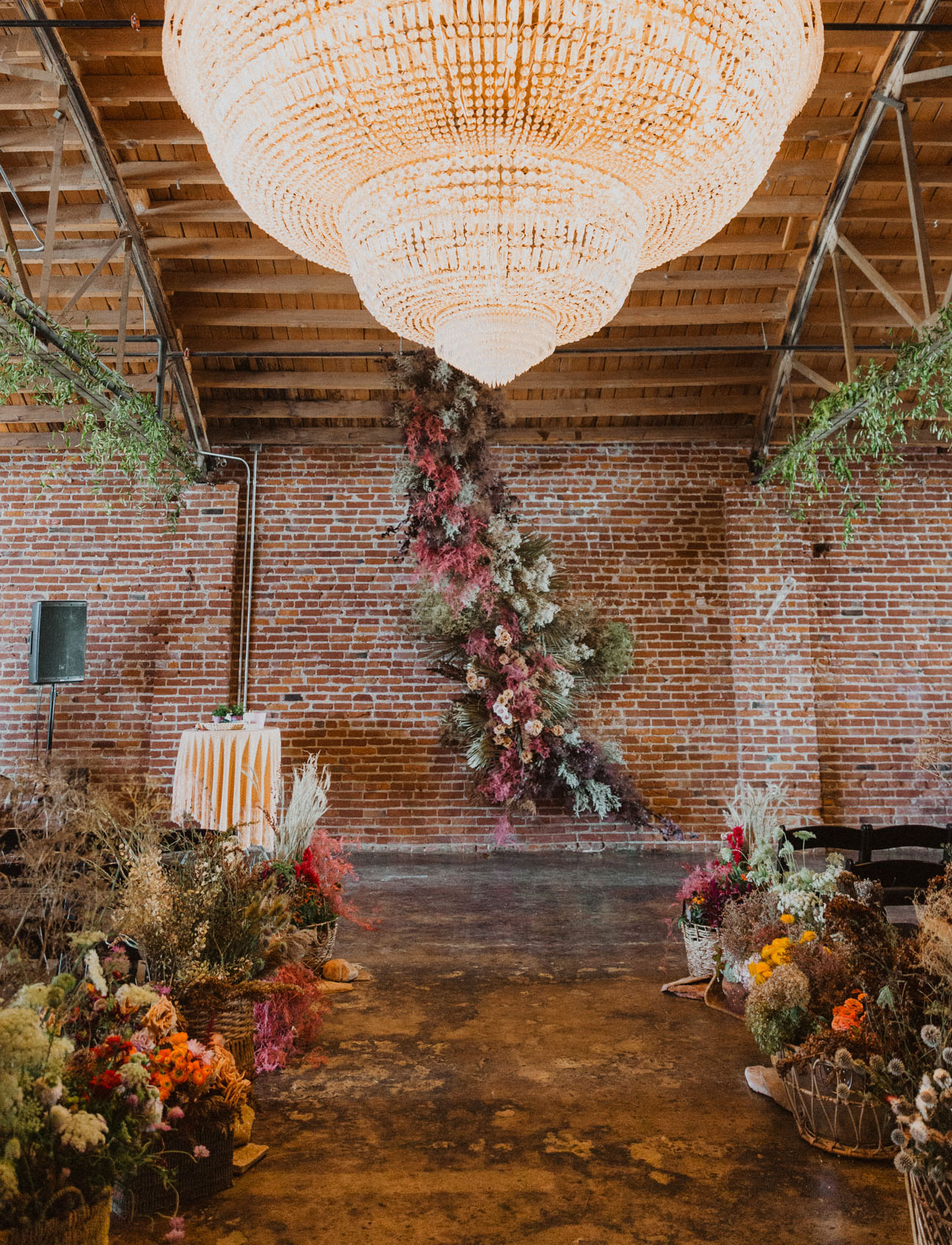 dried flower ceremony backdrop