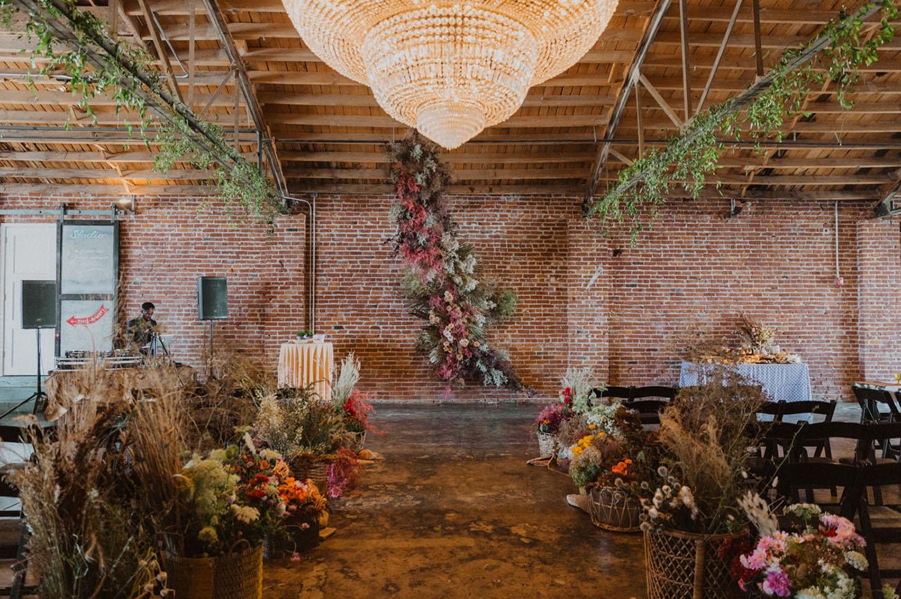 dried flower ceremony backdrop