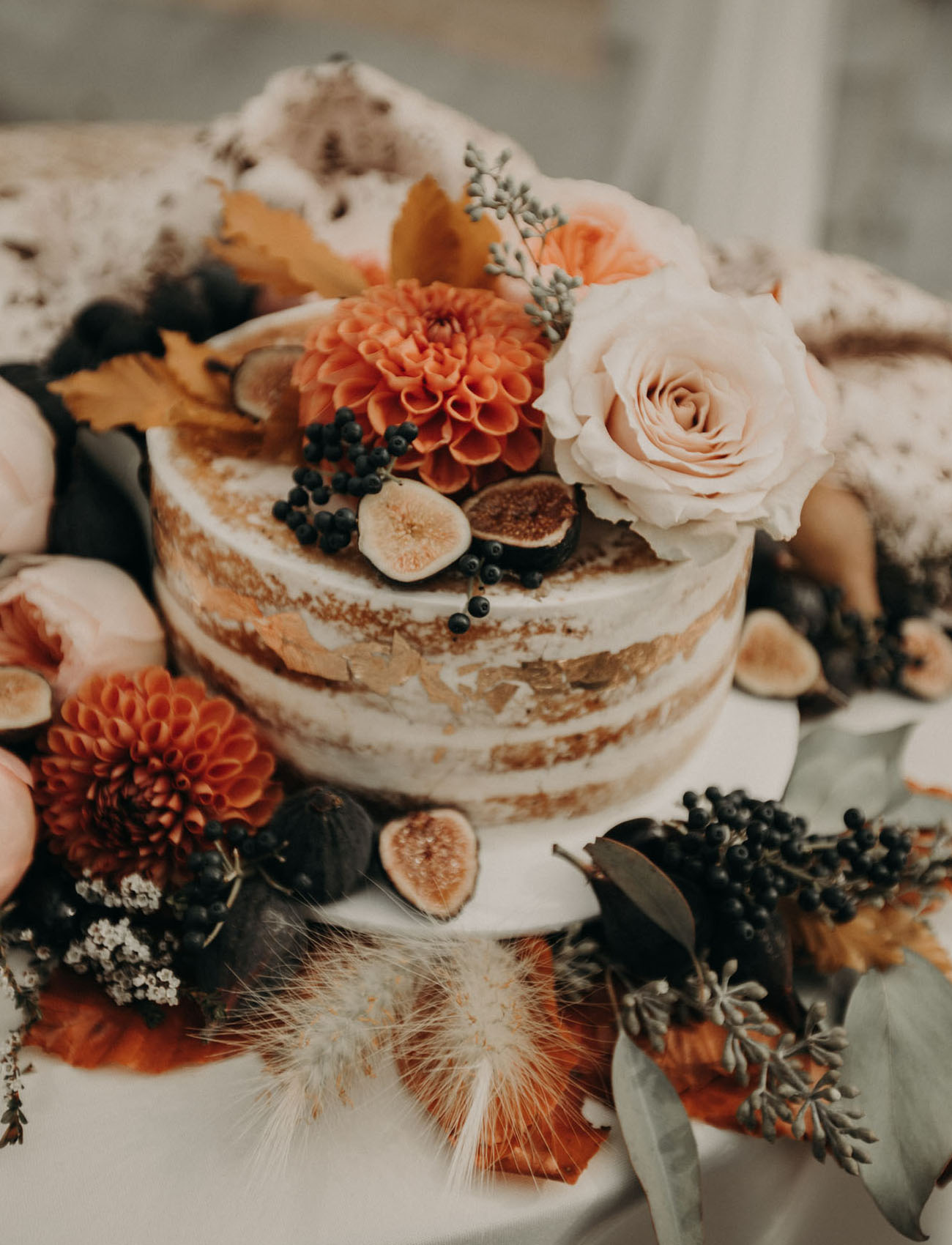 Fall flower naked cake