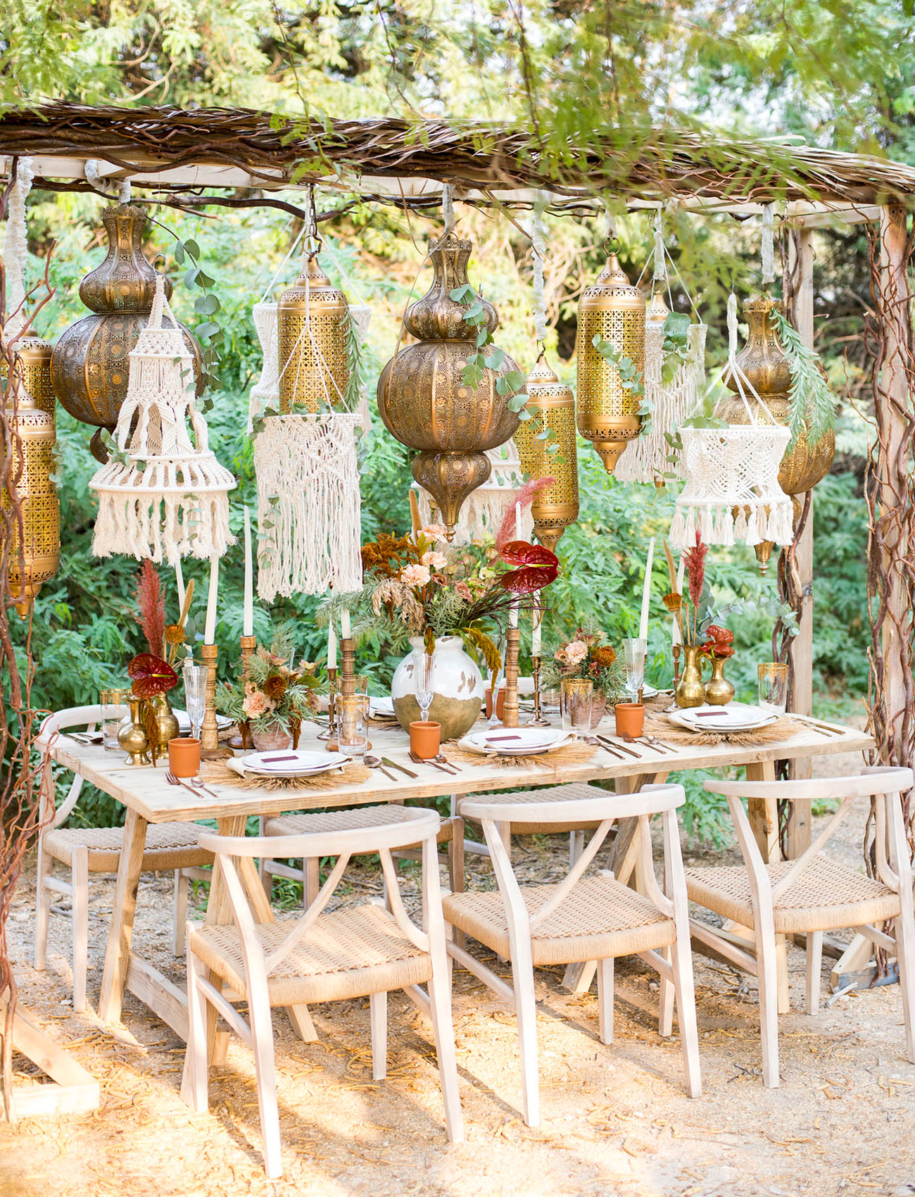 hanging lantern reception table