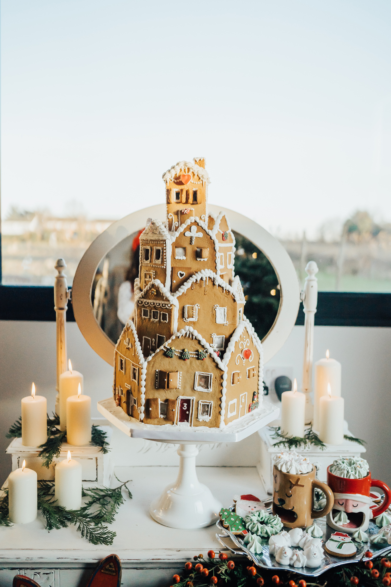 gingerbread house Christmas wedding cake