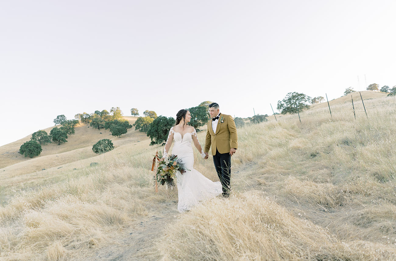 Modern DIY Bride: Earth Tones + Leather Details for this NorCal Wedding