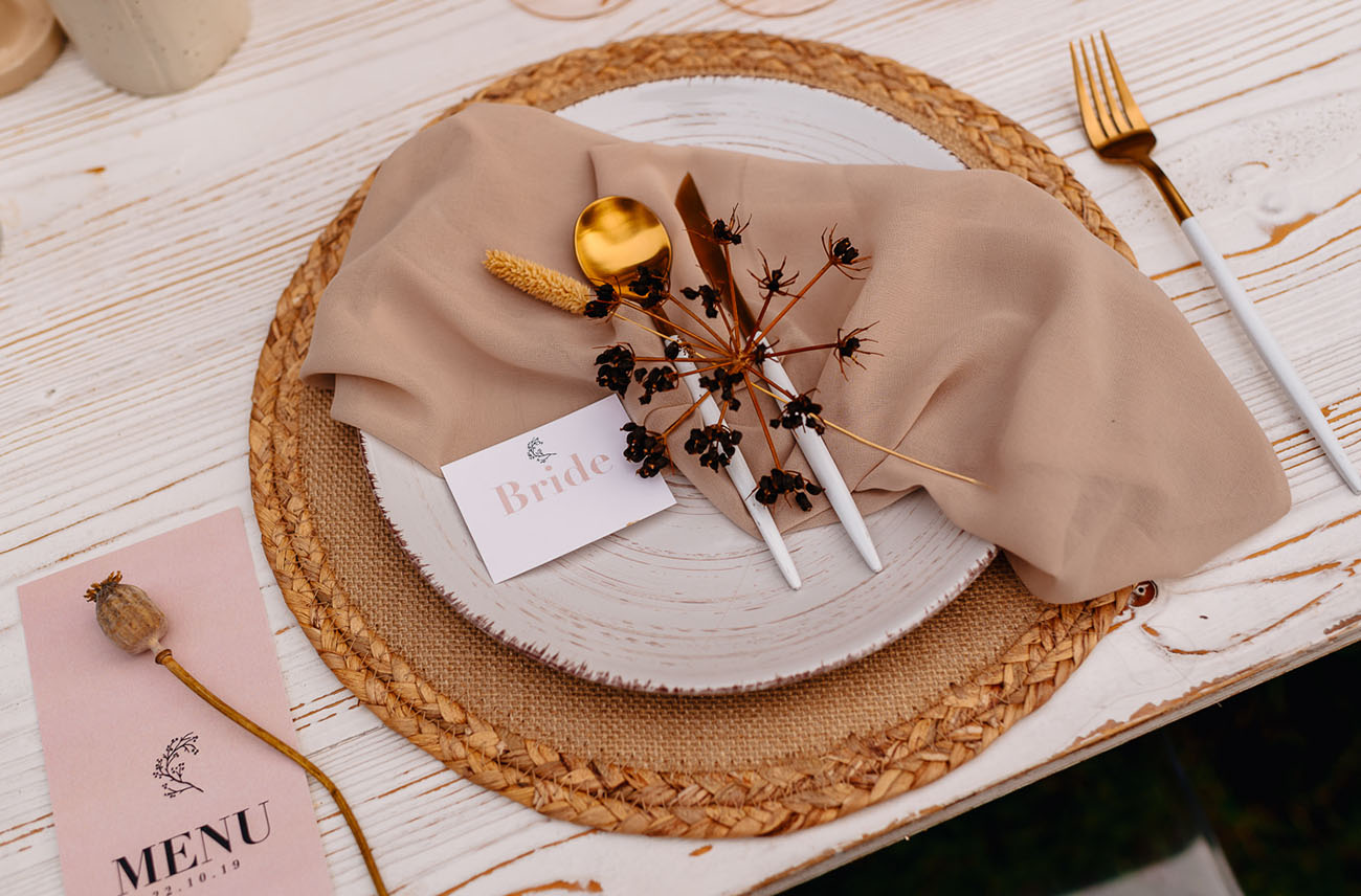 floral plate setting