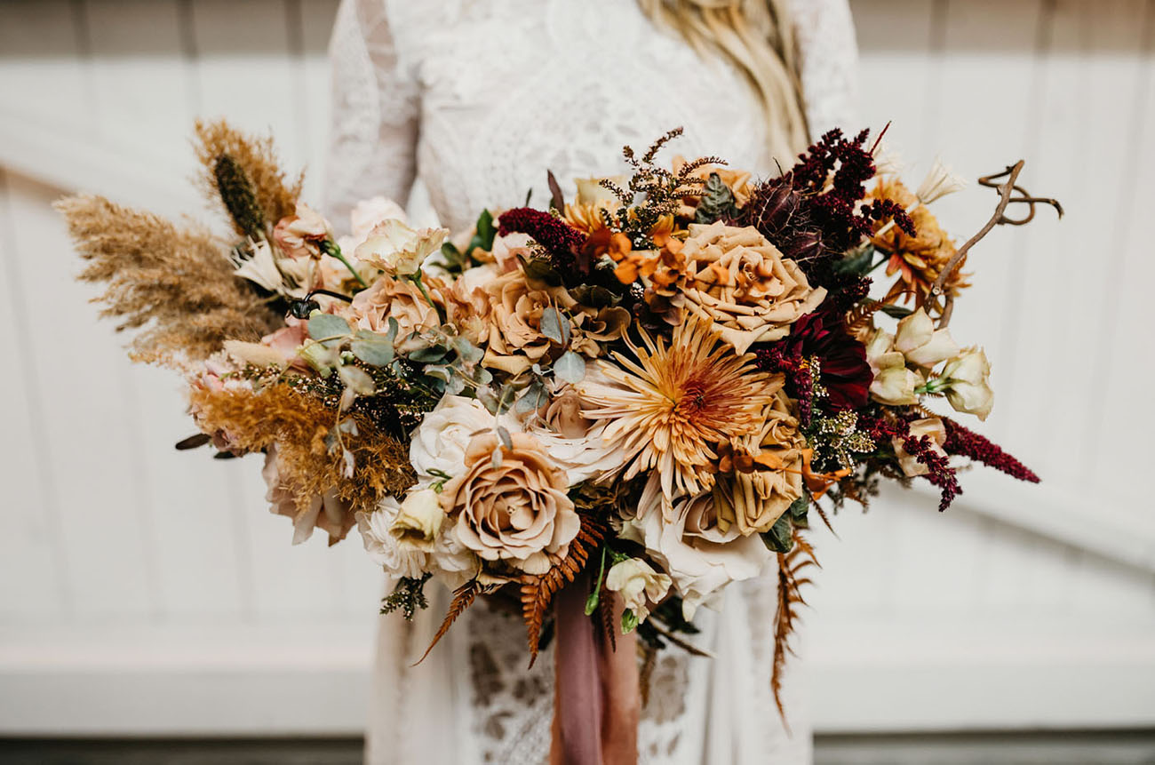 rust colored bridal bouquet