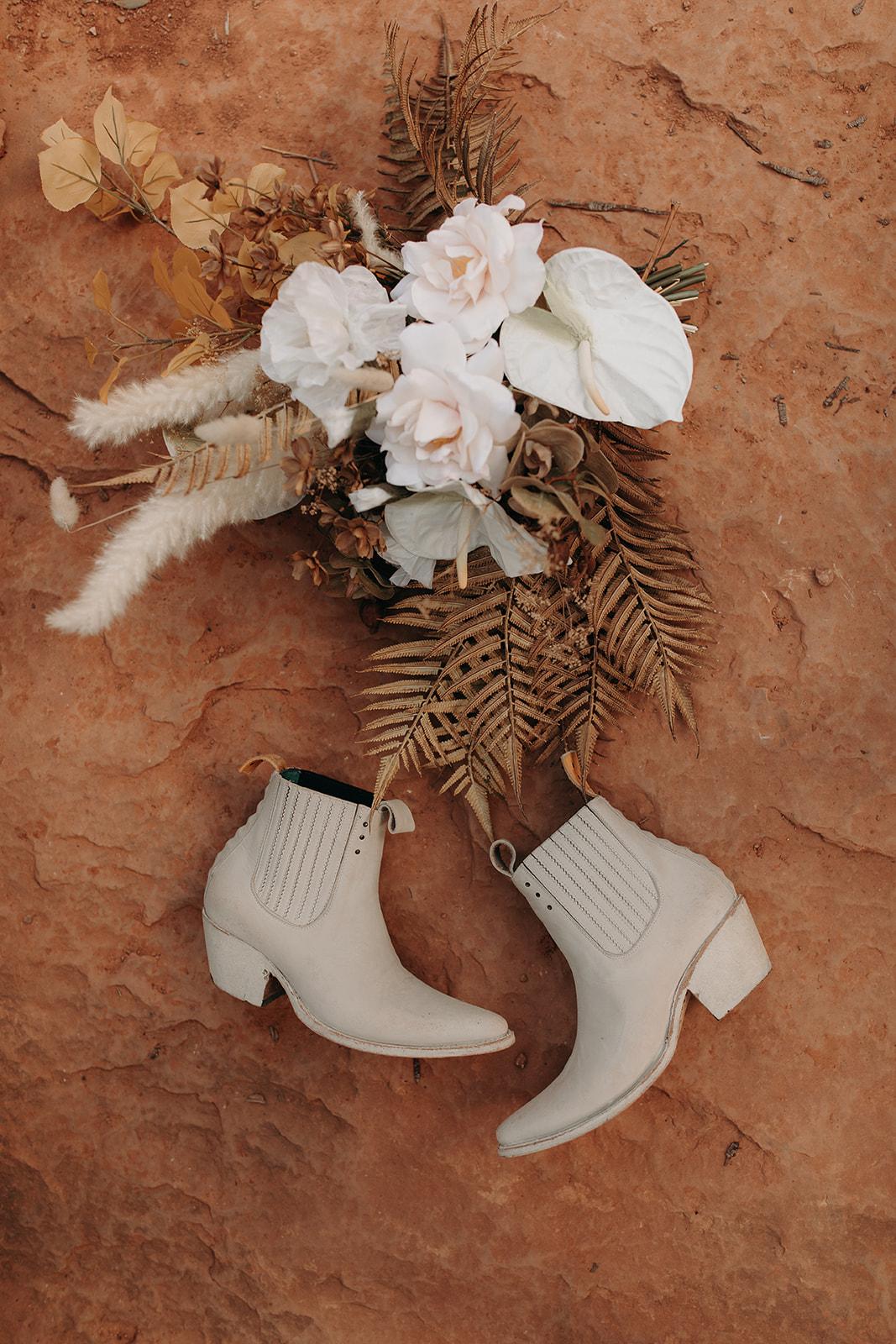 This Diy Silk Bridal Bouquet Is A Boho Dream Green Wedding Shoes