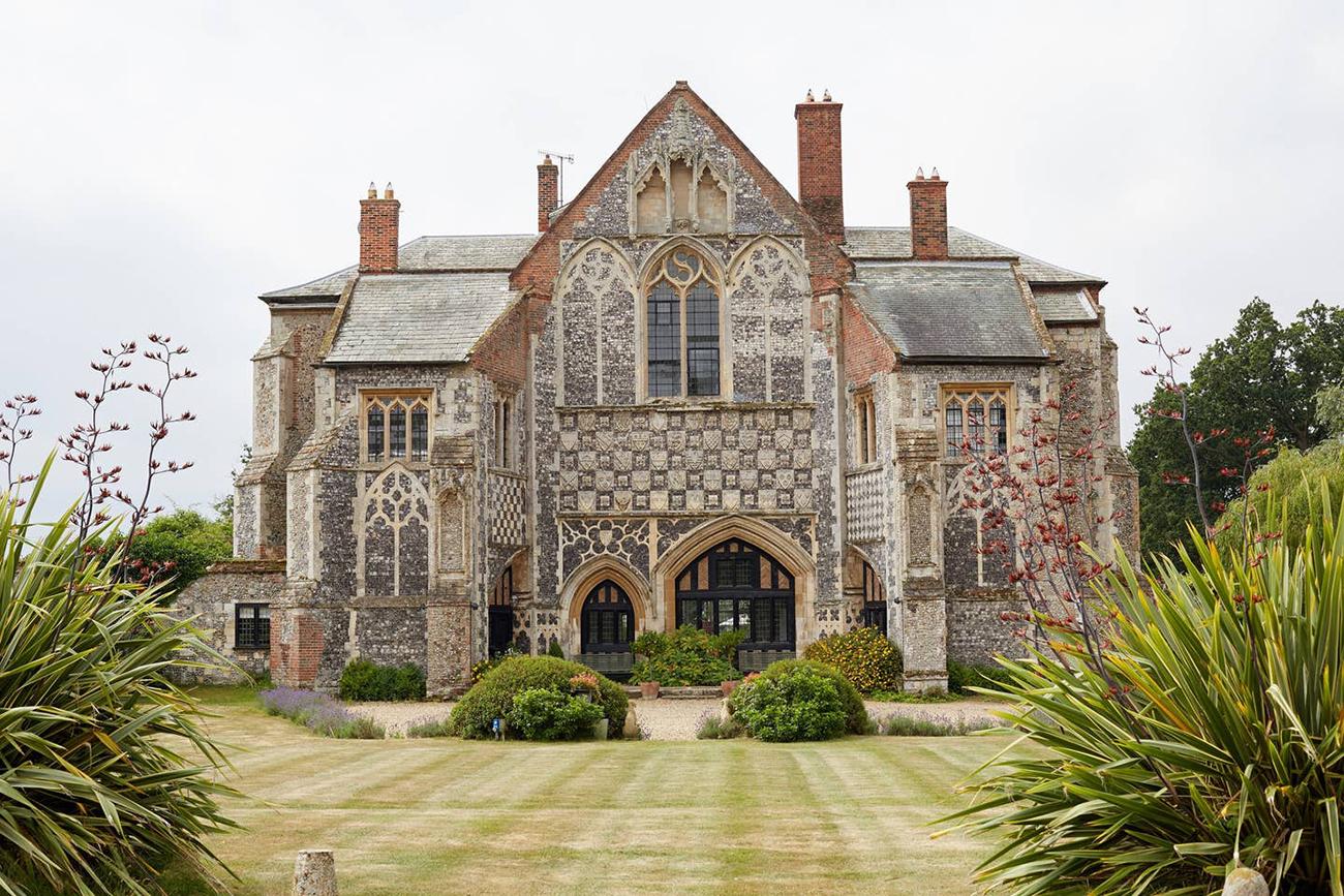 English Abbey Airbnb wedding venue