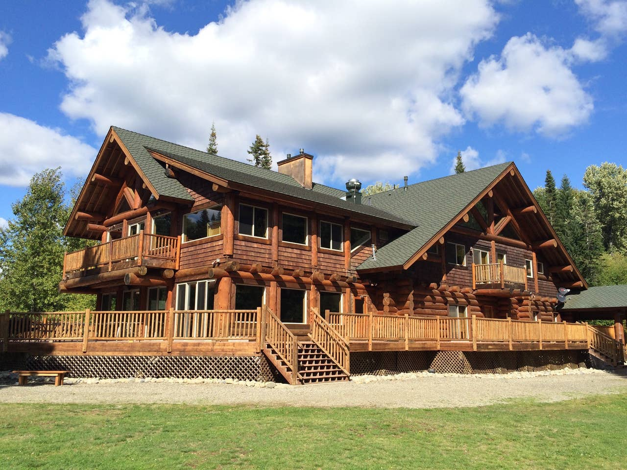 Family cabin Airbnb for wedding venue