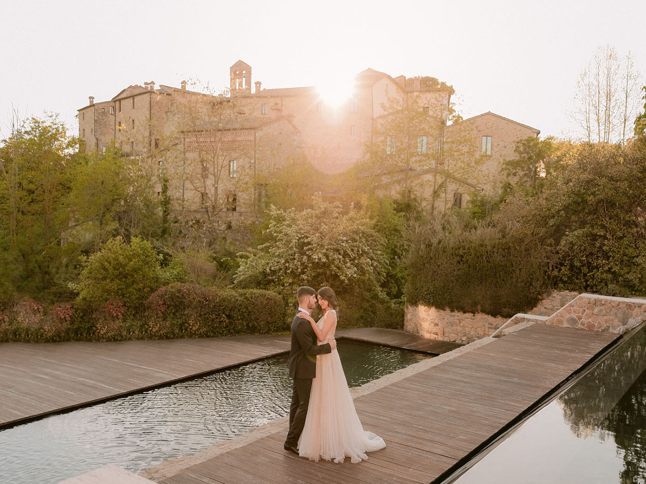 Modern Romance in the Warm Tuscan Sunlight + A Sweet Moped Sendoff!