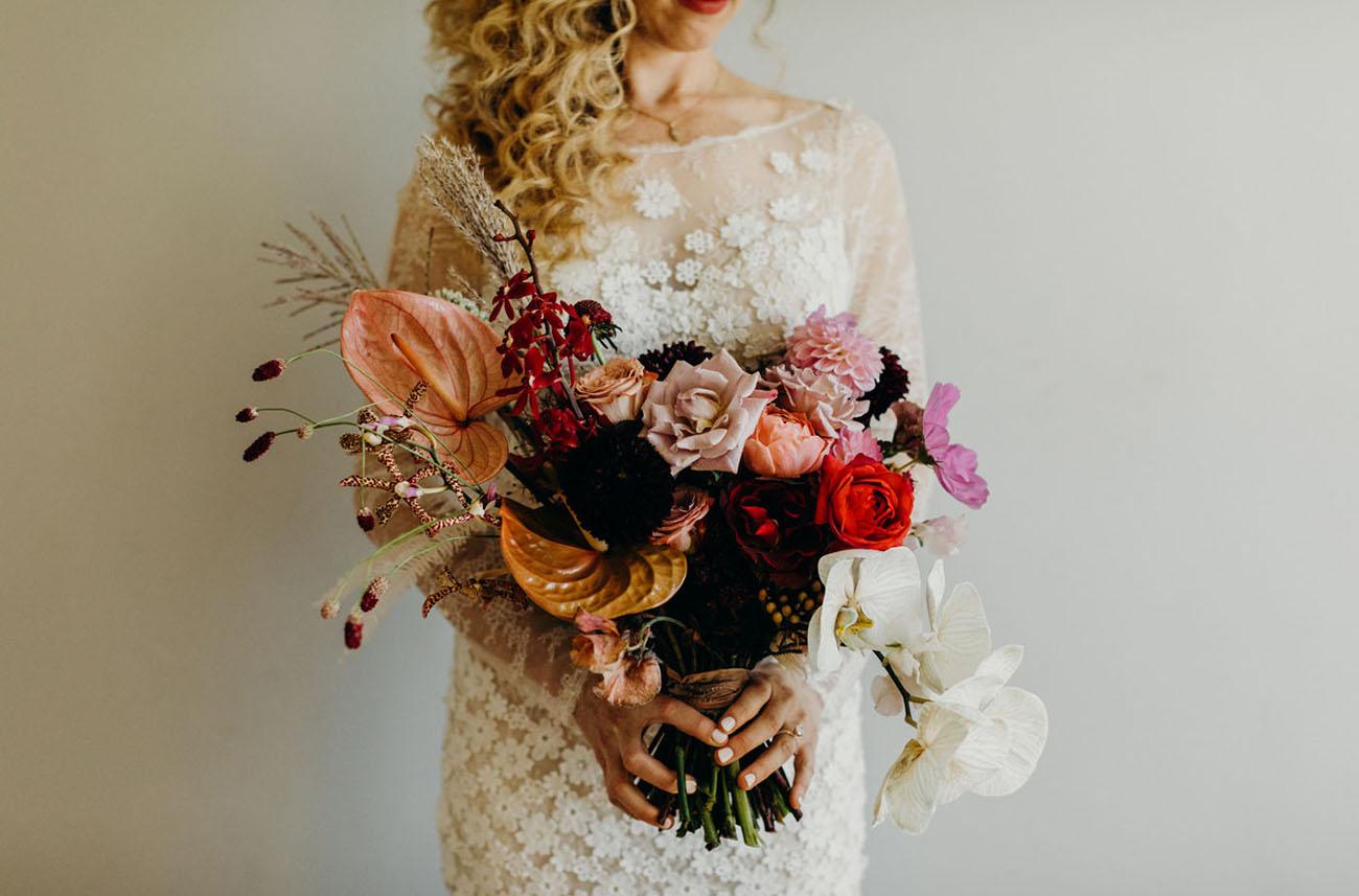 burgundy rose bouquet