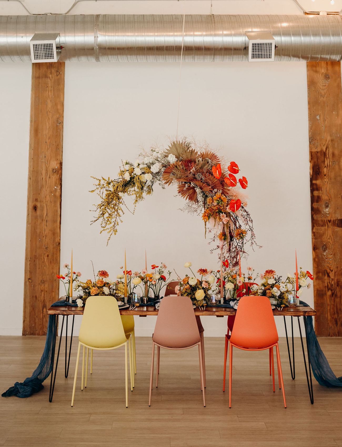 hanging floral tablescape