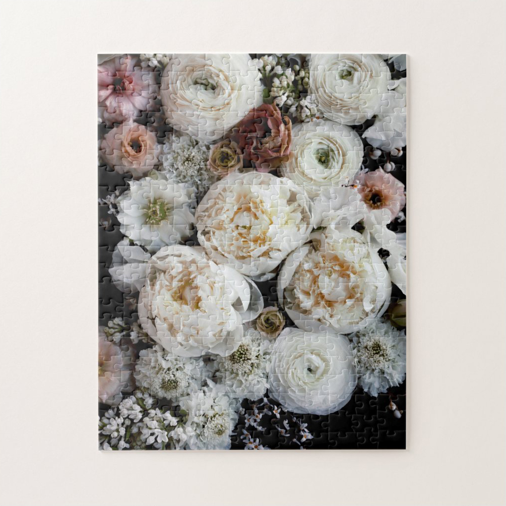"""https://greenweddingshoes.com/ """"width ="""" 1020 """"height ="""" 1020 """"data-pin-title ="""" White Peonies at Night Puzzle by Green Wedding Shoes """"srcset ="""" https://greenweddingshoes.com/wp-content /uploads/2020/05/GWS-white-flowers-puzzle.jpeg 1020w, https://i0.wp.com/greenweddingshoes.com/wp-content/uploads/2020/05/GWS-white-flowers-puzzle. jpeg? resize = 300,300 300w, https://i0.wp.com/greenweddingshoes.com/wp-content/uploads/2020/05/GWS-white-flowers-puzzle.jpeg?resize=150,150 150w, https: // i0.wp.com/greenweddingshoes.com/wp-content/uploads/2020/05/GWS-white-flowers-puzzle.jpeg?resize=768,768 768w, https://i0.wp.com/greenweddingshoes.com/wp -content / uploads / 2020/05 / GWS-white-flowers-puzzle.jpeg? resize = 800800 800w, https://i0.wp.com/greenweddingshoes.com/wp-content/uploads/2020/05/GWS- white-flowers-puzzle.jpeg? resize = 400,400 400w, https://i0.wp.com/greenweddingshoes.com/wp-content/uploads/2020/05/GWS-white-flowers-puzzle.jpeg?resize=100,100 100w """"tailles ="""" (largeur max: 1020px) 100vw, 1020px """"/> ci-dessus: Peoni blanc es la nuit</h4> <p><img src="""