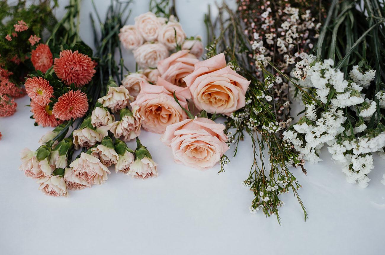 DIY Foam-Free Floral Installation