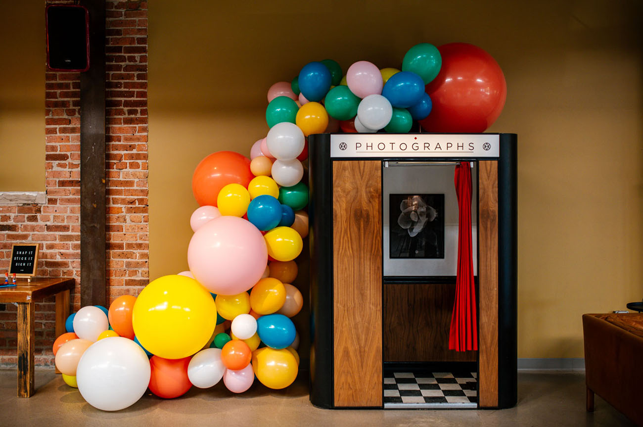 balloon photo booth