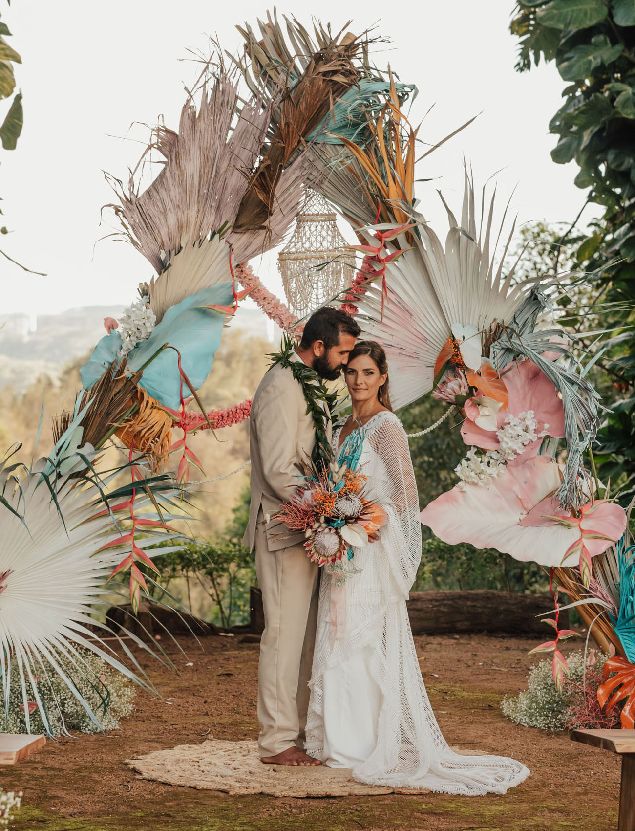 Painted Tropical Leaves + Boho Vibes for this O?ahu Wedding Inspiration