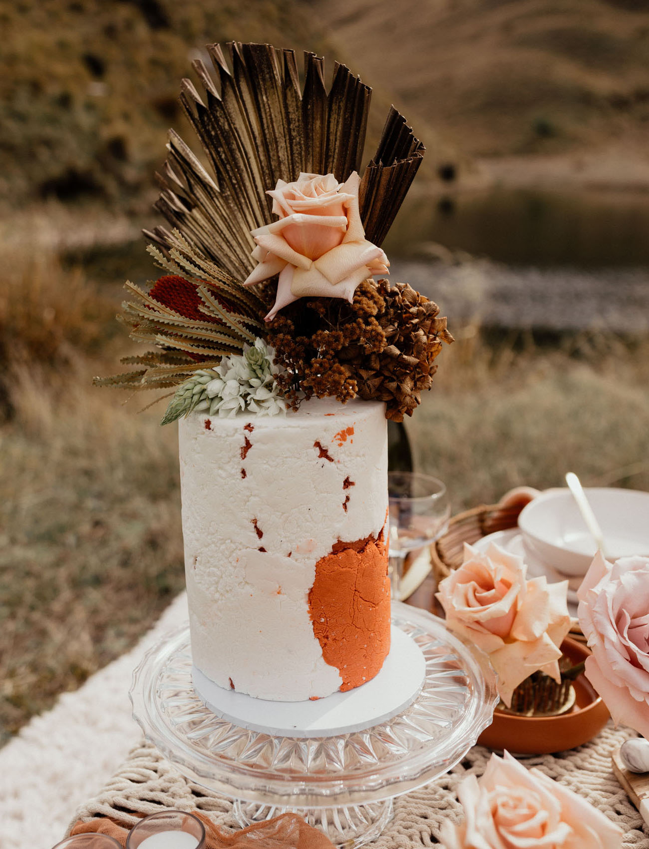 boho dried flower cake