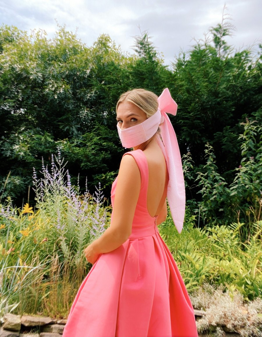 pink bow mask