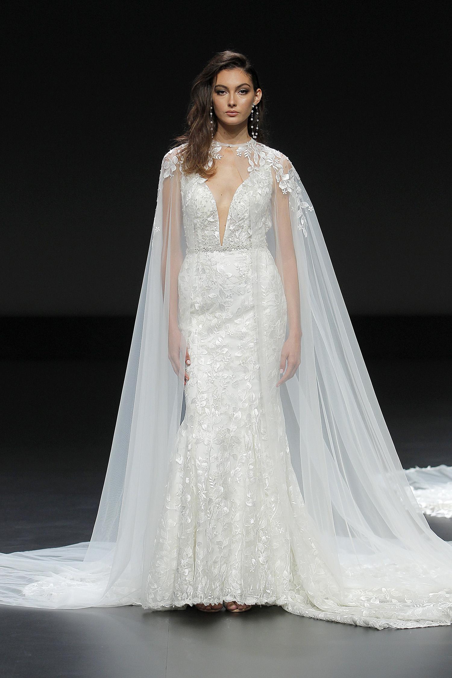 yumi katsura gown