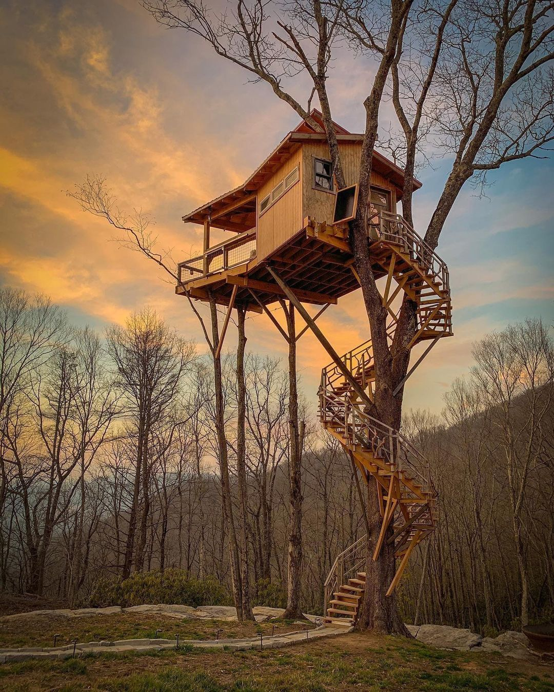 airbnb treehouse rental