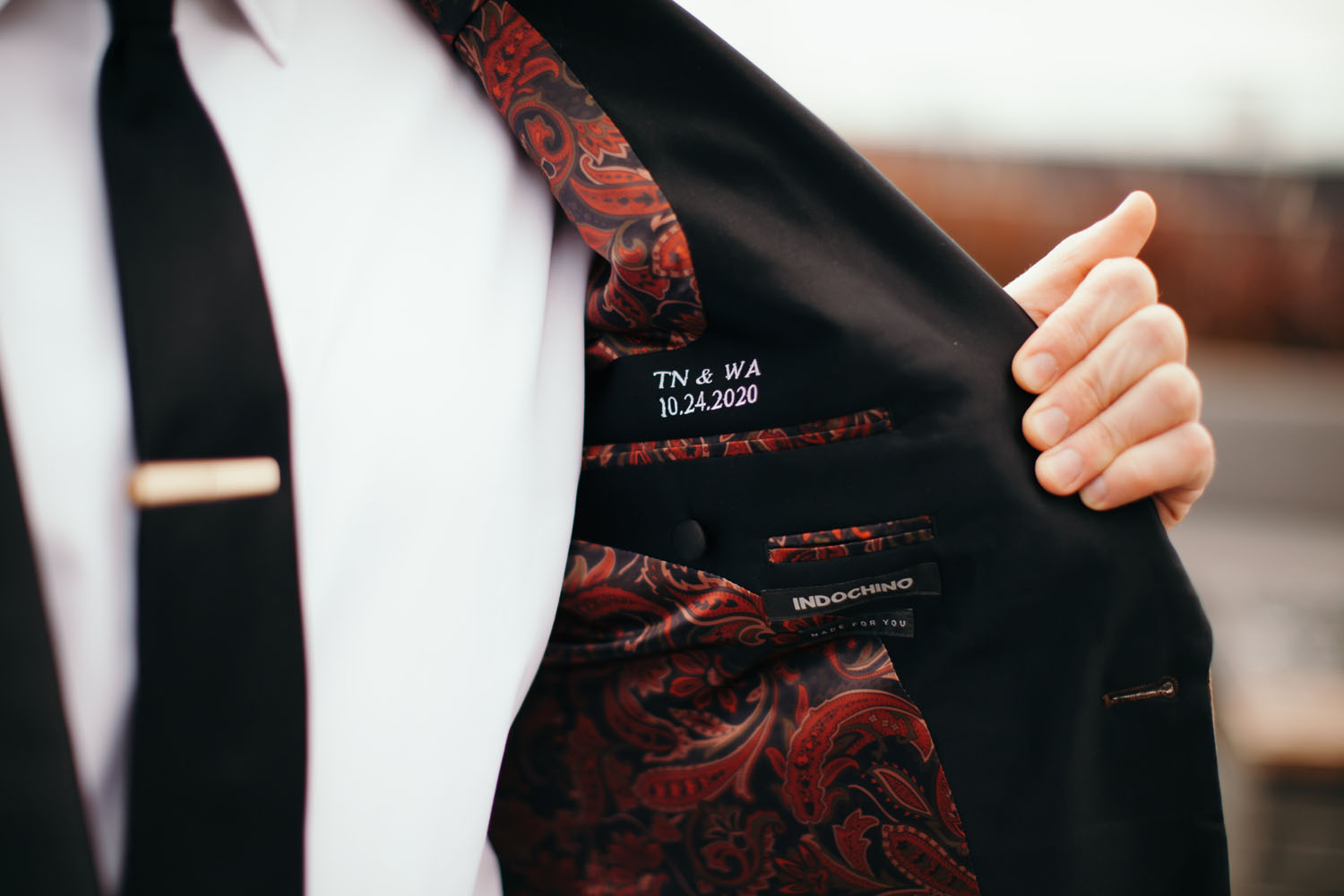 Tailor-made suit