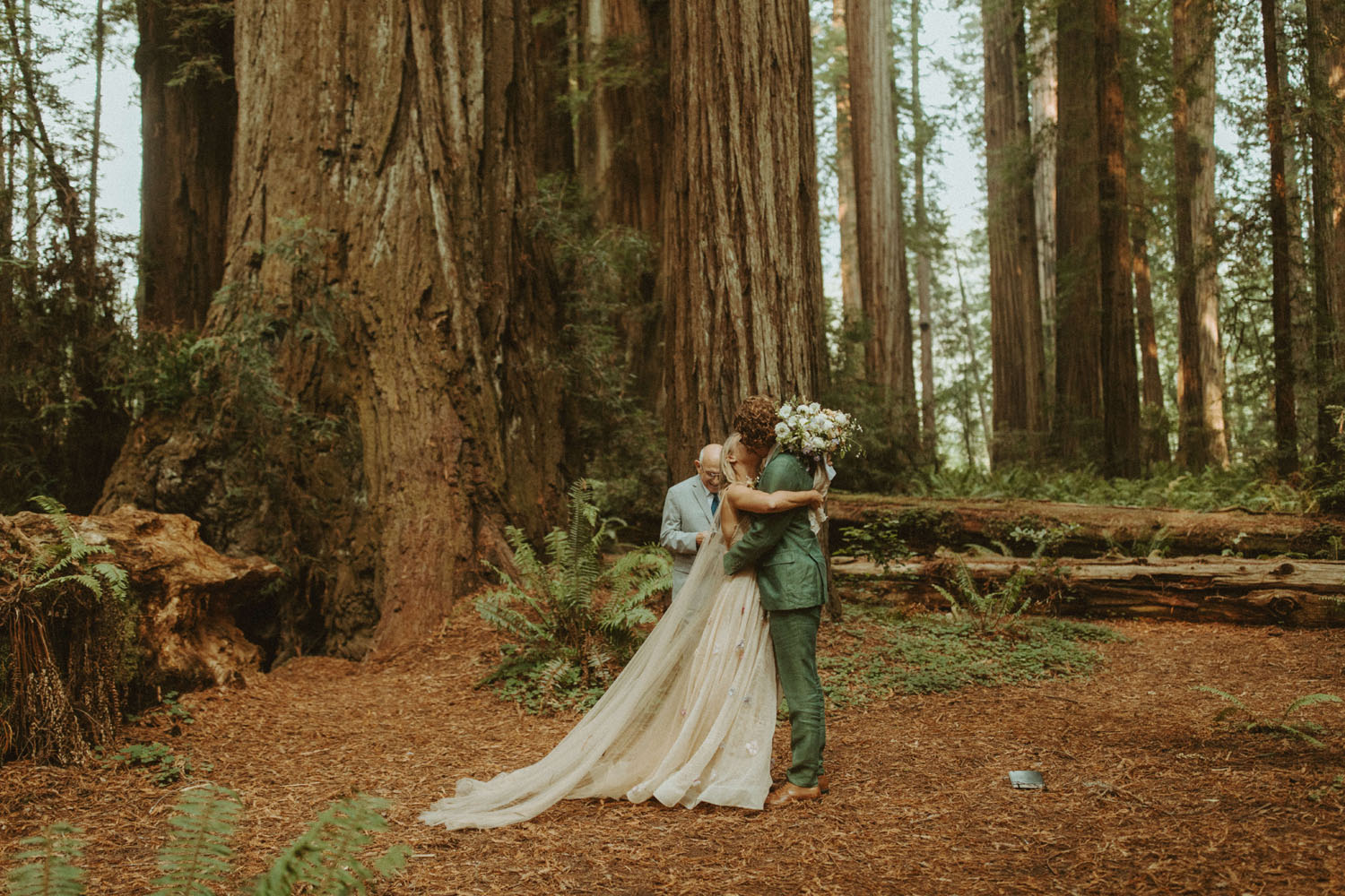 Oregon and California in one day elopement