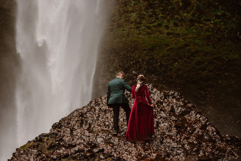 Portland Waterfall Christmas Elopement