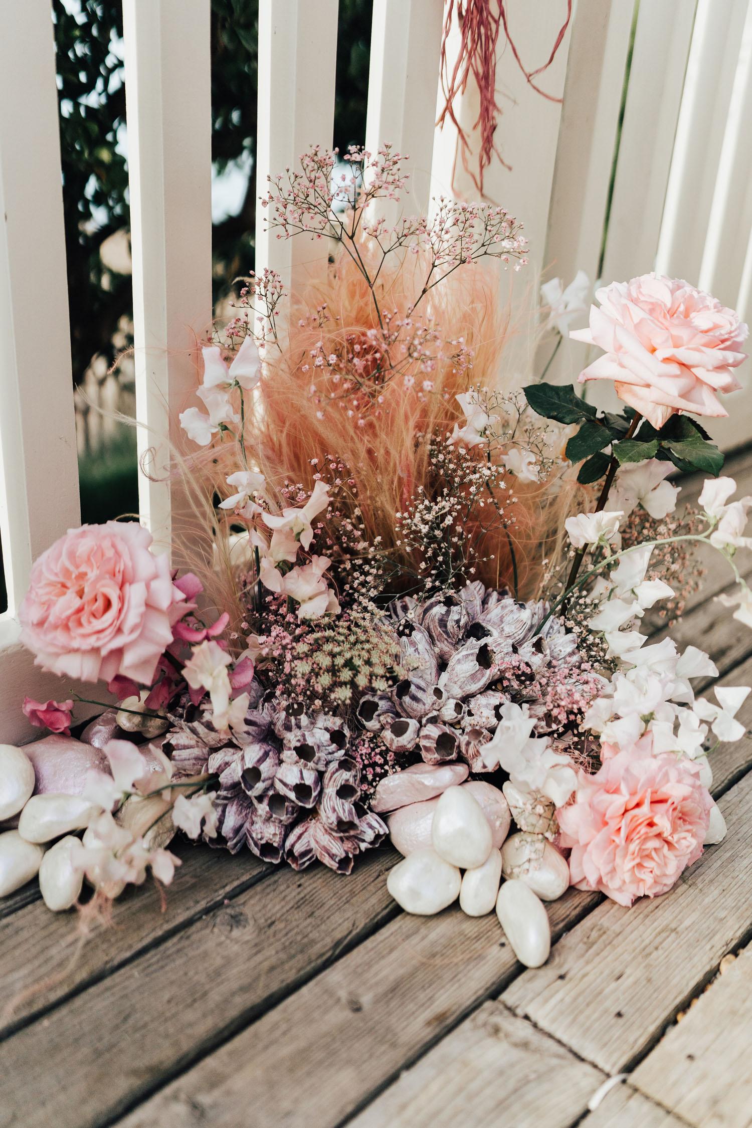 décor de fleurs côtières