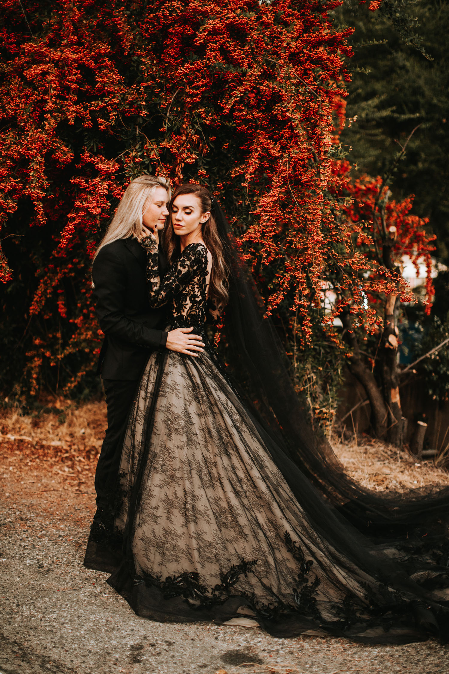 edgy and romantic redwoods wedding