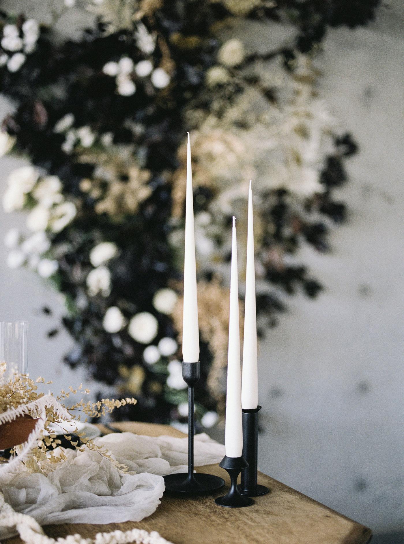 Kerzenhalter mit schwarzer Verjüngung