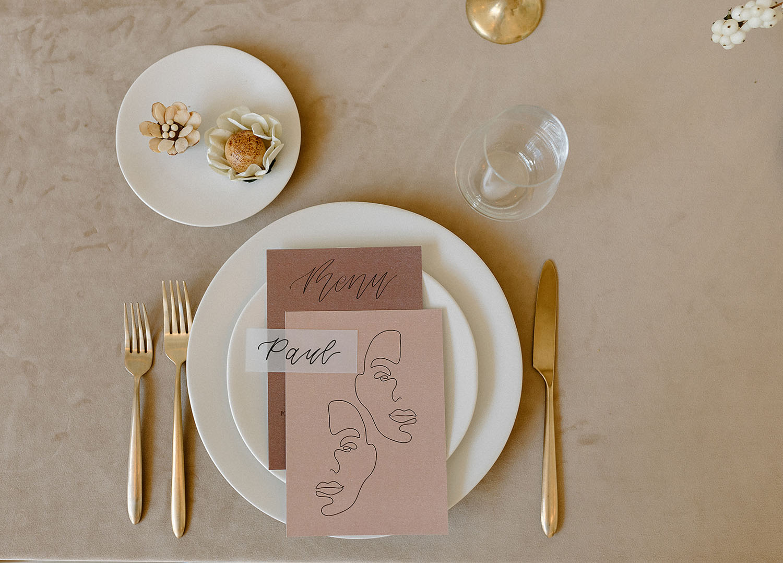 modern plate setting