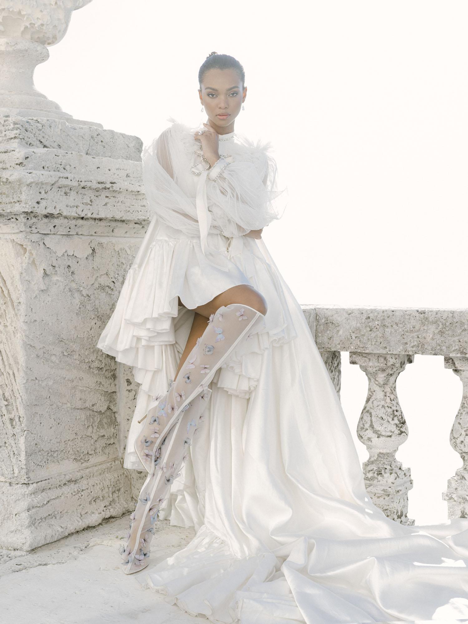 Thigh bridal boots