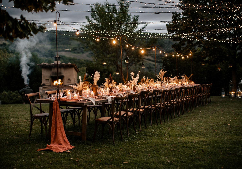 Intimate summer wedding in Tuscany